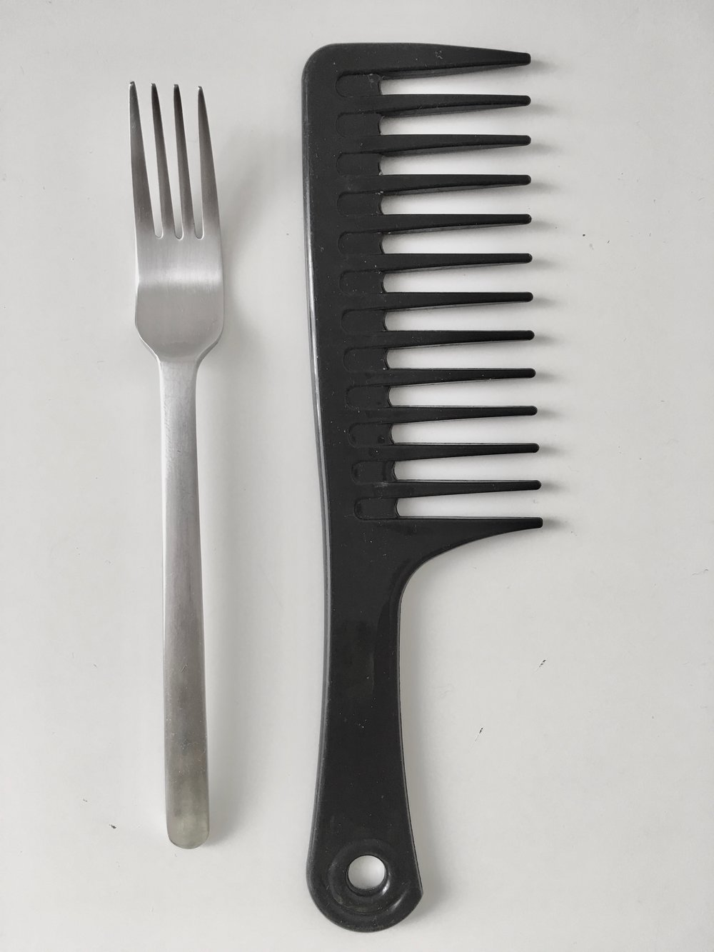 What is a loom comb? Everything you need to know about loom combs!